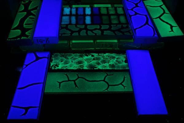 Светеща боя  за бетон